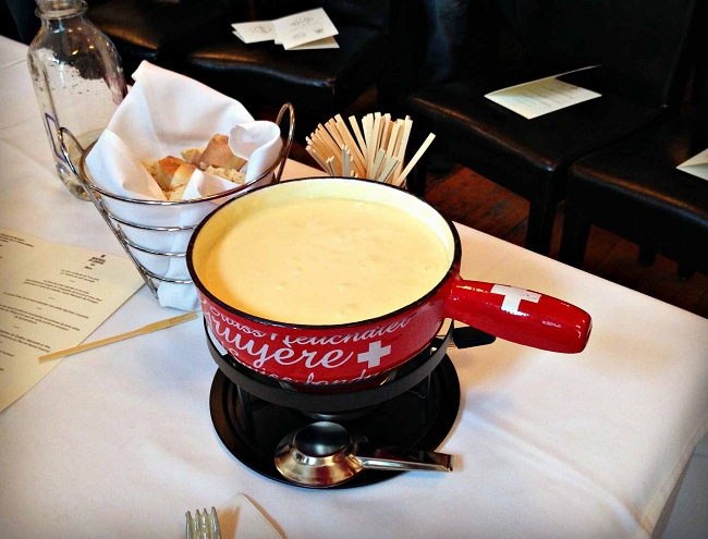 fromage-table-fondue-11